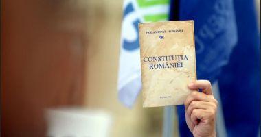 Propunerea legislativă de revizuire a Constituţiei, în sensul redefinirii familiei, adoptată de Senat