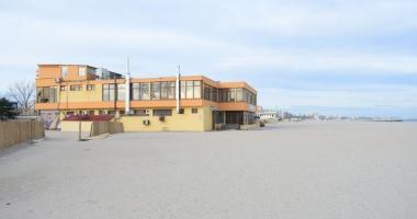 Construcţiile de pe plaja din Mamaia. Cine a vândut terenurile, cum s-au dat autorizaţiile? Avem liber la investiţii!