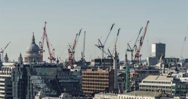 The Times: Muncitorii în construcţii şi sănătate întorc spatele Regatului Unit