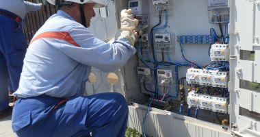Consumatorii de energie care rămân fără furnizor în luna mai vor fi preluaţi automat