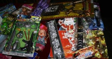 Mii de jucării contrafăcute, confiscate în Portul Constanţa