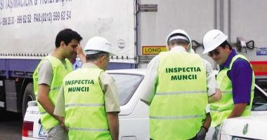 Litoralul, verificat şi amendat de inspectorii de muncă