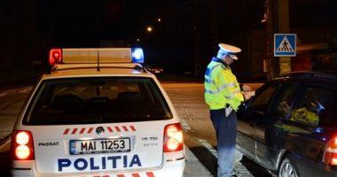 Şofer minor fugit de la locul faptei, după ce a lovit o maşină de poliţie