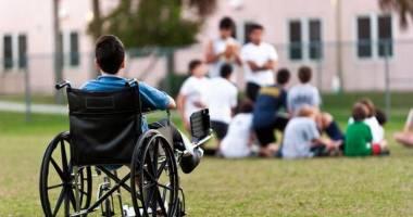 Şi copiii cu dizabilităţi au dreptul la educaţie!