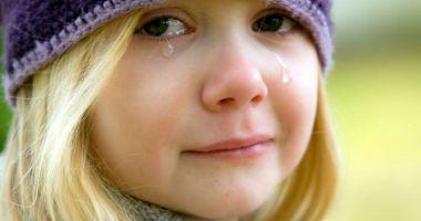 Copiii, victime ale violenței adulţilor. Bătăile repetate îi transformă din victime în agresori