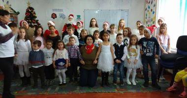 Copiii din Pecineaga au primit daruri  de la Moş Crăciun