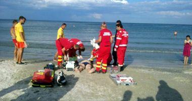 Copil de 12 ani, scos din mare la Năvodari