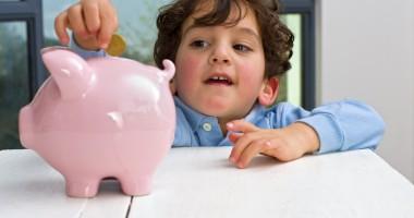 Alocaţiile copiilor ar putea fi majorate din 2014