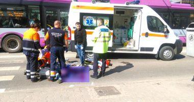 Copil surdomut, ucis de o ambulanță pe trecerea de pietoni!