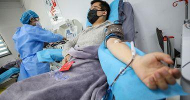 Cel mai tânăr român care s-a vaccinat anti-COVID este din Bucureşti şi are 16 ani