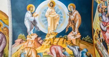 Credincioșii sărbătoresc Schimbarea la Față a Domnului