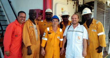 Cresc salariile navigatorilor de pe navele cu pavilion de complezență