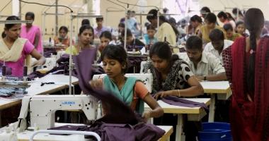 Creşterea economică a Indiei depăşeşte previziunile