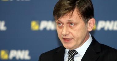 """""""Dacă Băsescu retrimite bugetul, parlamentarii trebuie să vină la vot chiar şi de Revelion"""""""