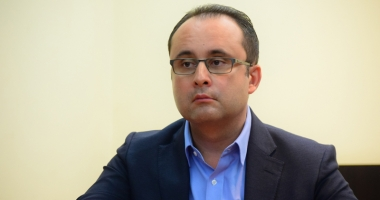 Cristian Buşoi vine la Constanţa pentru a-i convinge pe liberali să le fie şef