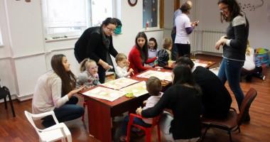 Cum îi învăţăm  pe copii să comunice eficient