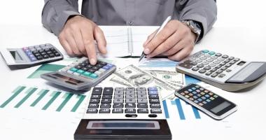 Cum poţi scăpa de comisioanele abuzive din contractele de credit