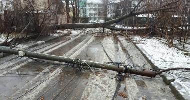 Stare de urgenţă la Constanţa! 61 de localităţi nu au curent electric
