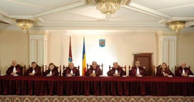 Plângere penală pentru fals împotriva Curţii Constituţionale