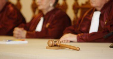 Toate sesizările pe OUG 14 au fost respinse de Curtea Constituțională