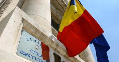 CCR a respins sesizarea lui IOHANNIS privind OUG 13