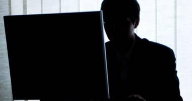 Hackerii atacă! IMAGINI din CASELE ROMÂNILOR, pe INTERNET. CONSTĂNŢENII, printre victime