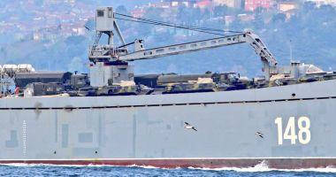 GALERIE FOTO / Nave de război ruse încărcate cu tancuri şi echipamente militare, reperate în drum spre Siria