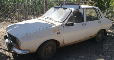 GALERIE FOTO /Dacia 1300 din 1974. Ce buget ar fi necesar pentru a circula din nou pe şosele?