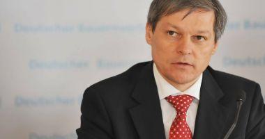 """Dacian Cioloș: """"Este timpul Parlamentului să voteze revizuirea Constituției"""""""
