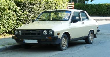 Dacia Sport, maşina studenţiei! Cum zbura Braşovia pe şoselele României
