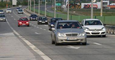 Probleme GRAVE pe Autostrada Soarelui. Se desprind plăcile de beton!