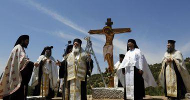 Decizie istorică în Grecia. Mii de preoţi,  scoşi de pe statele de salarii plătite de stat