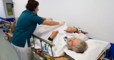 Degeraţii au umplut spitalul. Pacienţii sunt neasiguraţi şi blochează paturile pentru urgenţe