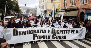 Demonstraţii în Corsica, în favoarea autonomiei, înaintea vizitei preşedintelui Macron
