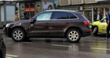 Deputat PSD, accident în faţa sediului SRI din Iaşi. Bărbatul se urcase băut la volan