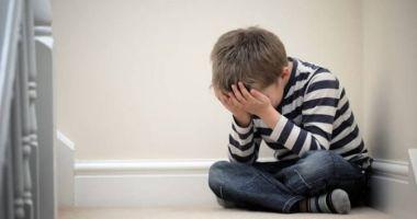 CAZ CUTREMURĂTOR! Fraţi minori agresați sexual de mătuşa care îi preluase în plasament