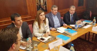 Deputatul Mircea Banias, dialoguri pe infrastructură în cadrul unei dezbateri marca Pro România