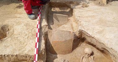 Mormânt din secolul IV, scos la lumină de arheologii constănţeni