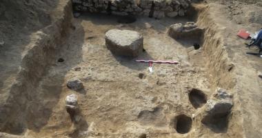 Lucrări sistate la construcţia unui bloc! Arheologii au descoperit locuinţe  din perioada medievală