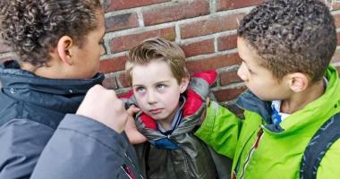 Controversa bullying. De la o simplă injurie, la arme şi moarte!