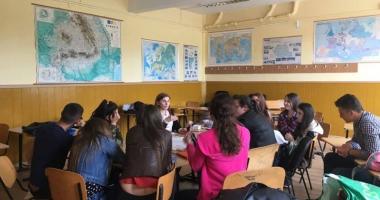Elevii din Hârşova, prima competiţie de dezbateri academice într-un oraş de provincie