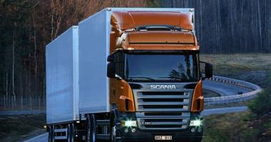 Ocazie unică pentru şoferii de TIR.  Salariu de 2.000 de euro, plus bonusuri, în vestul Europei