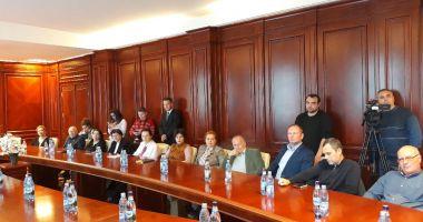 """Directorii s-au plâns ministrului Culturii """"Autocarele nu mai intră în Piața Ovidiu și pierdem turiști"""""""