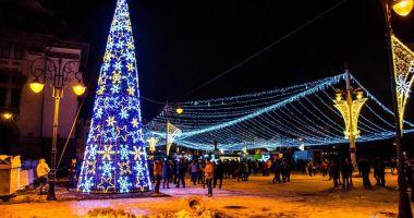 Foto : Diseară se închide Târgul de Crăciun din Piaţa Ovidiu