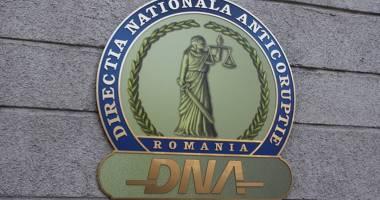 Consilierul local la Primăria Agigea Dorel Manea, reţinut de procurorii DNA