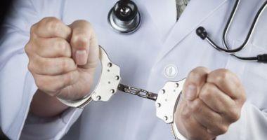 Medic psihiatru din Constanţa, condamnat la închisoare cu executare