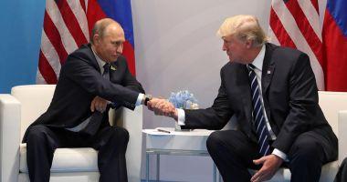 Donald Trump l-a felicitat pe Vladimir Putin după depunerea jurământului