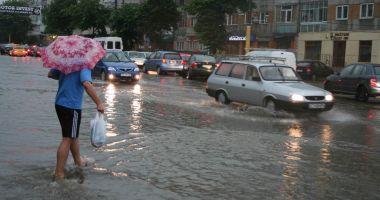 Două avertizări meteo, la Constanţa: caniculă şi furtuni, joi şi vineri