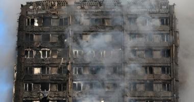 Galerie foto. Un nou bilanţ al incendiului masiv din Londra: 12 morţi şi peste 70 de răniţi