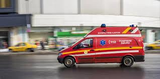 Un copil de un an şi şapte luni a murit, după ce a căzut de la etajul 4